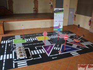 Circuit d'éducation routière école démontable 24m2 - www.tousenroute.com