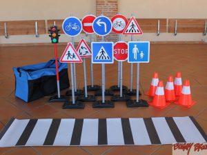 Equipements pour circuits tricycles et trottinettes - www.tousenroute.com