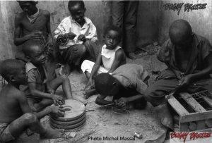 Origine-Buggy-Brousse-jouets-afrique-Garage-Michel-Massal - www.buggybrousse.com
