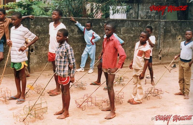 Origine-Buggy-brousse-jouets-afrique-Parade-Michel Massal-www.buggybrousse.com