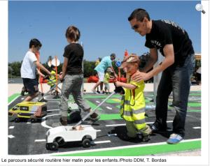2015 11 Toulouse - On s'amuse au bord de l'autoroute -la Depeche du Midi buggybrousse.com
